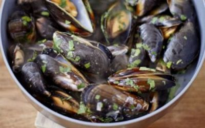 Mussels, white wine & parsley